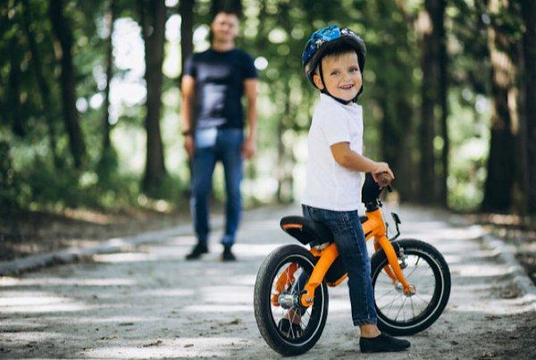 5 Tips Mengajari Anak Agar Jago Bermain Sepeda