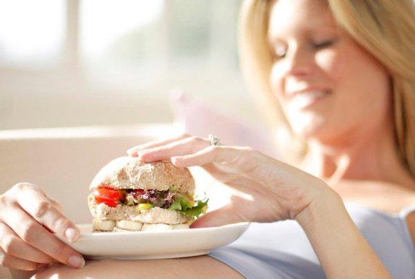 Bahaya Makan Junk Food Saat Hamil