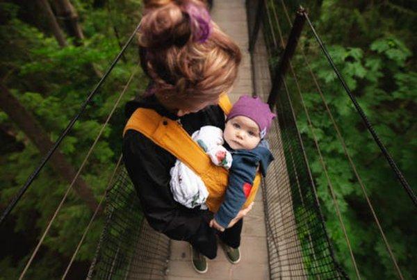 Bebas Repot, Ini Daftar Gendongan Bayi Kain yang Bisa Dilipat