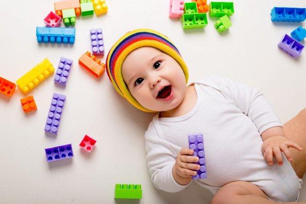 Moms, Ini hal harus diperhatikan untuk mainan si Bayi