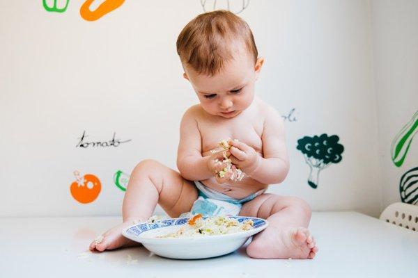 Makanan dan Minuman Pendamping ASI yang Dilarang Dikonsumsi Bayi
