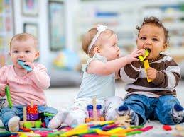Moms, Ketahui Jenis Bakteri yang Paling Sering Hinggap di Mainan Anak!