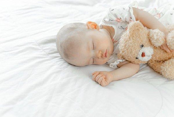 Penyebab dan Cara Mengatasi Bayi Susah Tidur