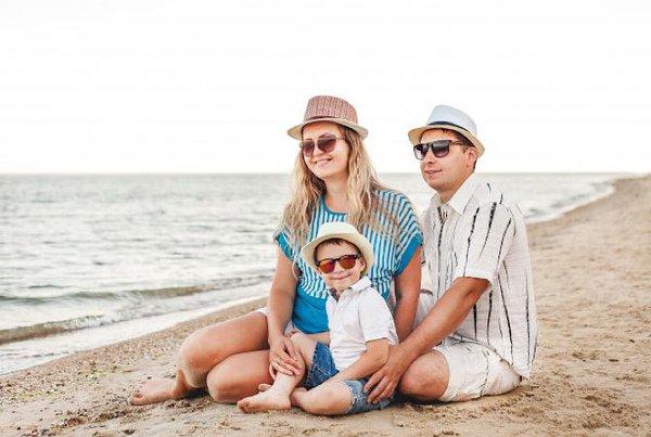 Tips Bepergian Aman Bersama Bayi