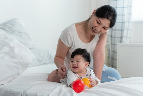 Moms, Ini Pentingnya Bermain untuk Bayi Sedini Mungkin