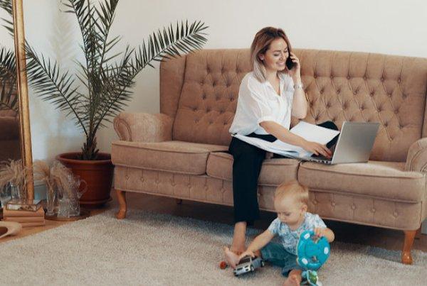 4 Kiat Agar Lancar Bekerja Bagi Work-At-Home Mom