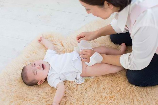 Waspada Diare pada Bayi, Kenali Gejala dan Cara Mengatasinya